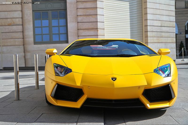 aventador-yellow-fast-auto
